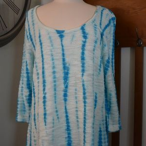 XCVI knit tunic top blue and white tie dye